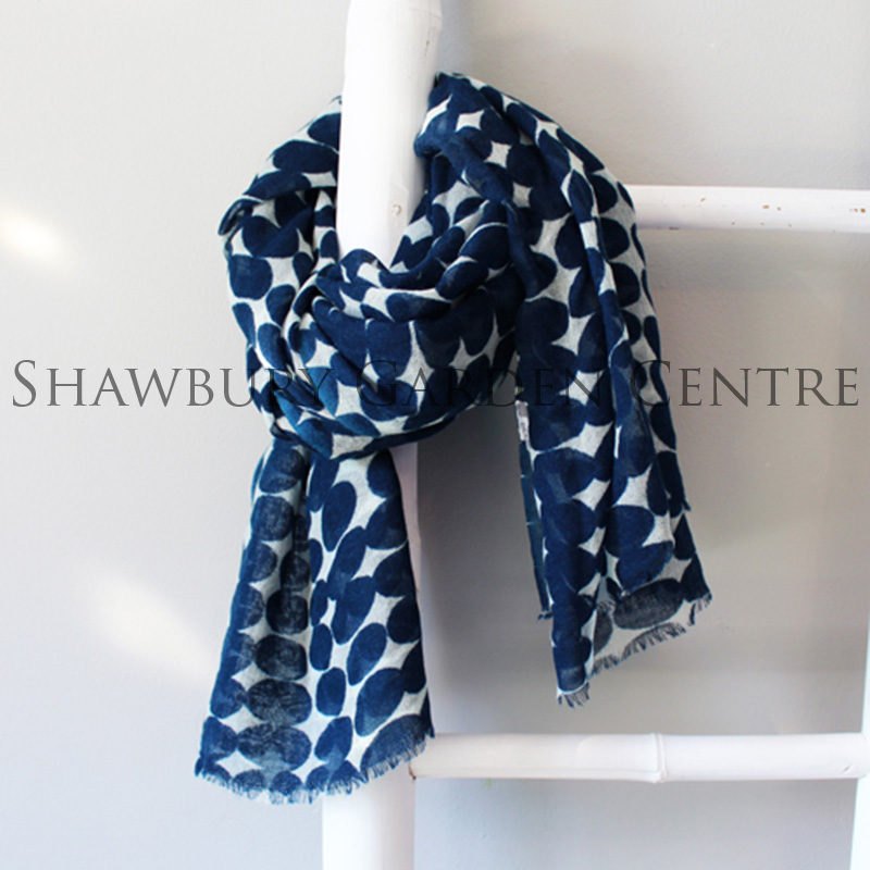 Picture of 100% Wool Navy Blue & Ecru Patterned Scarf