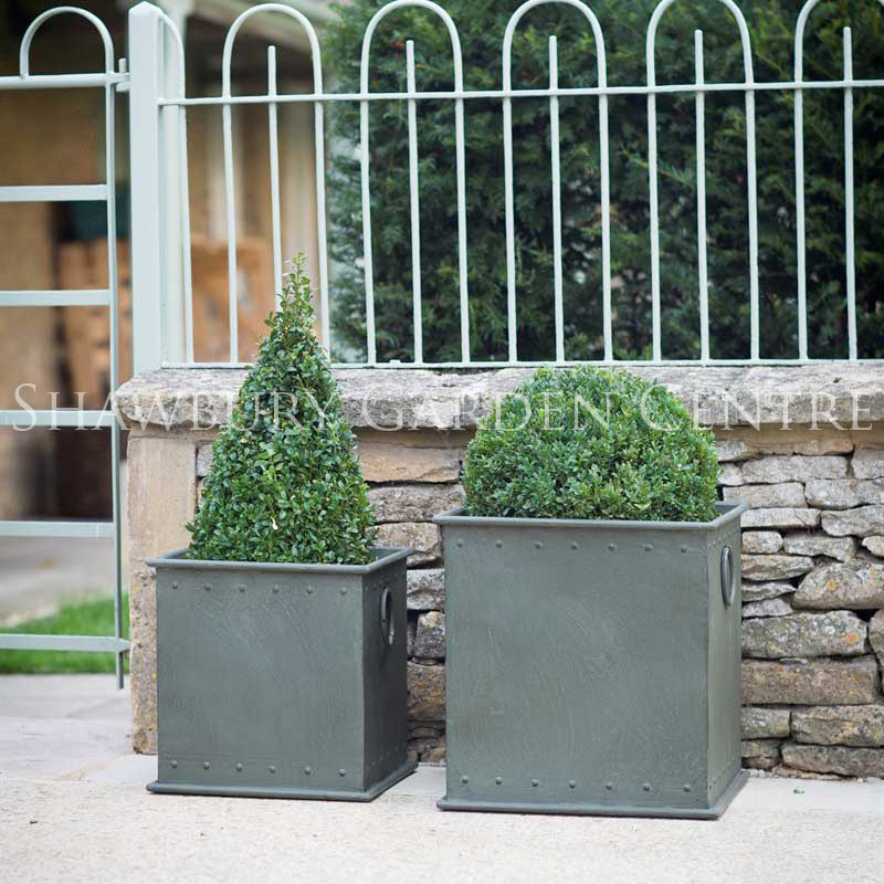 garden trading tetbury riveted planter. Black Bedroom Furniture Sets. Home Design Ideas
