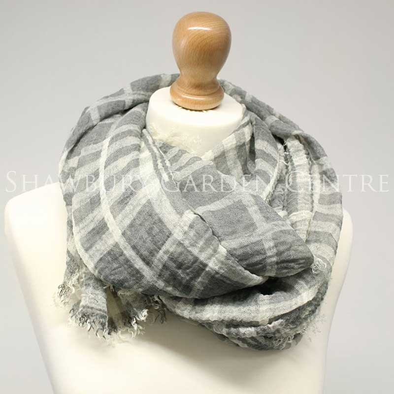 Picture of Grey Check Scarf