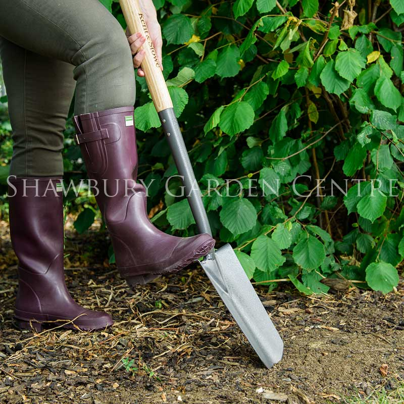 Kent stowe carbon steel planting spade for Tools and equipment in planting