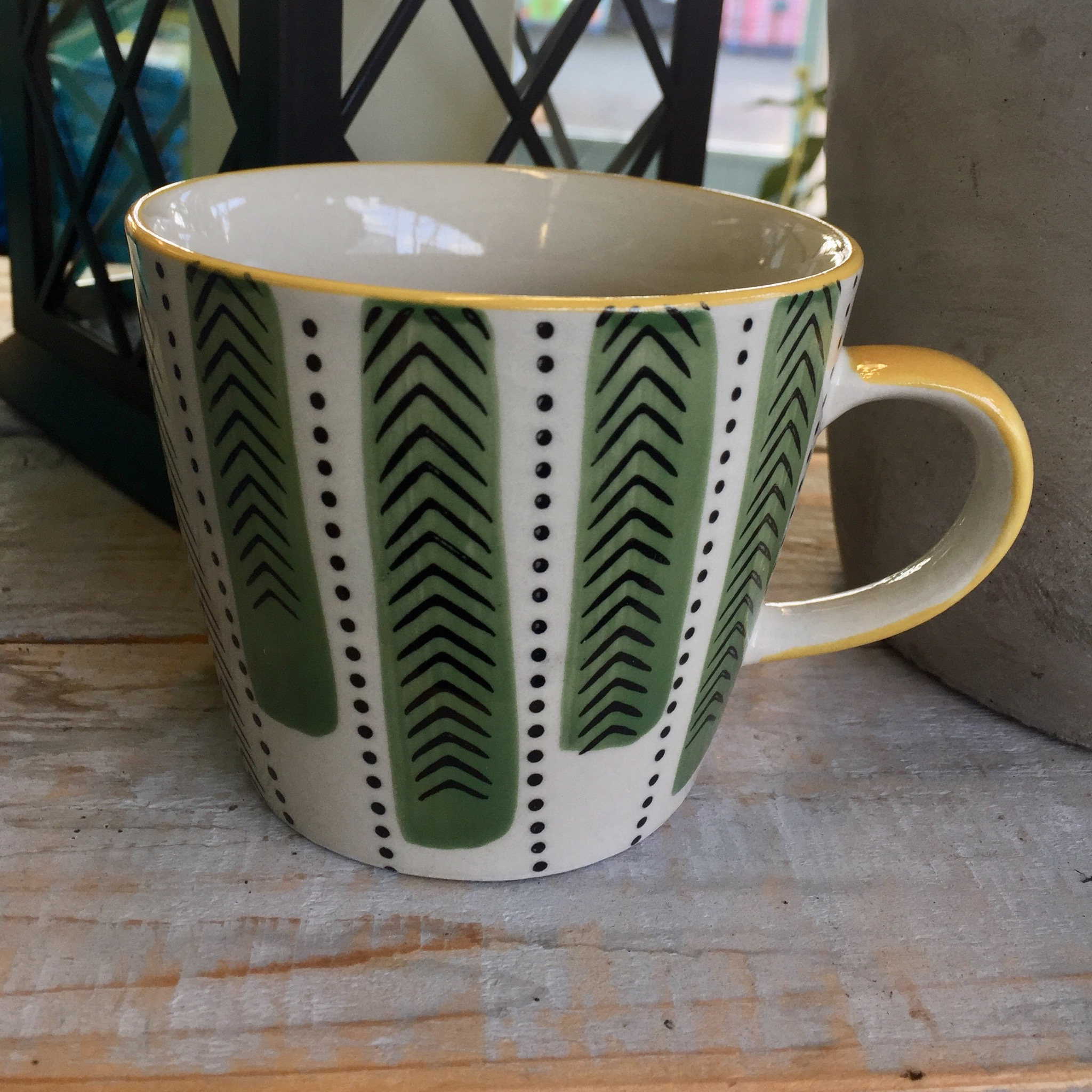 Picture of Gisela Graham Retro Chevron Print Ceramic Mug
