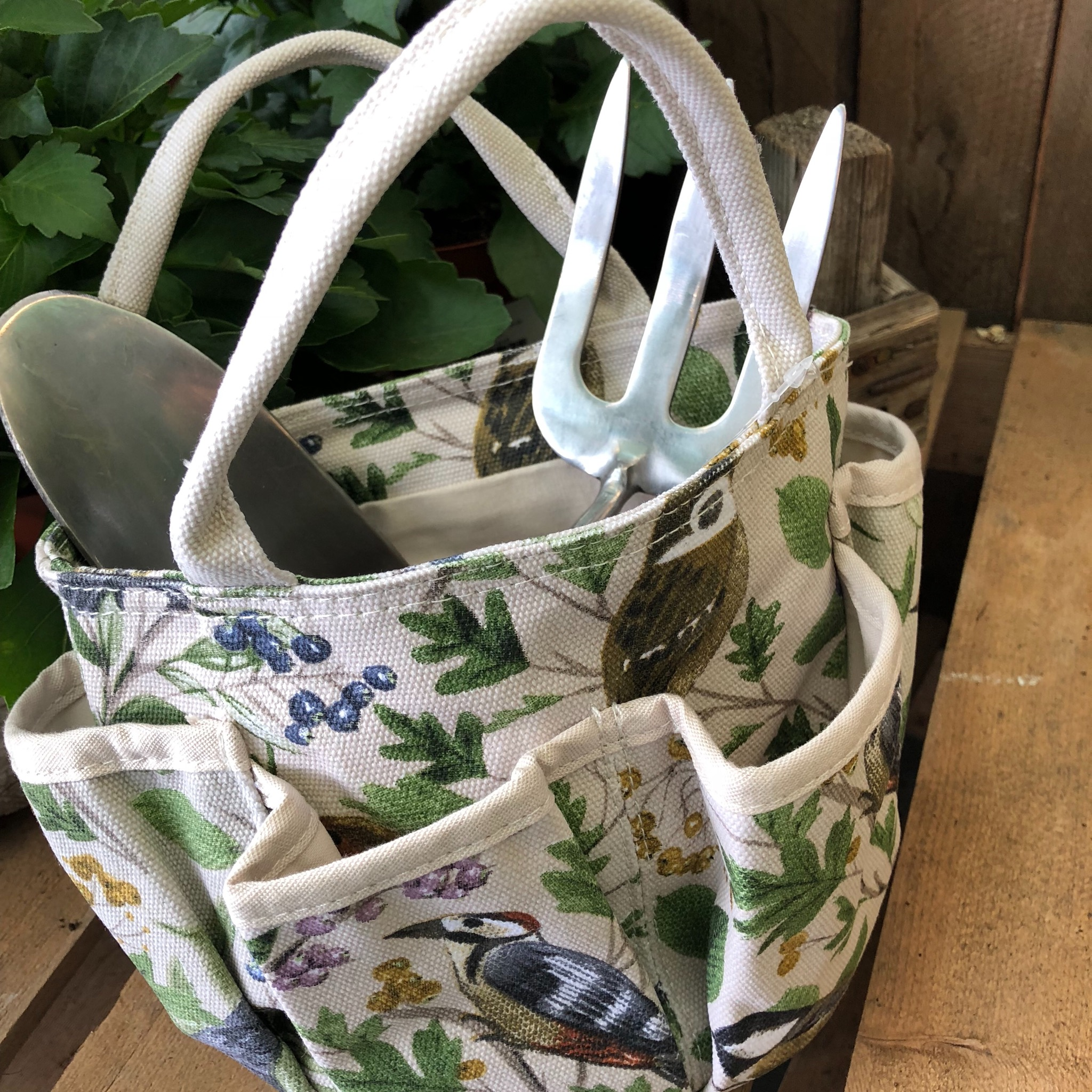 Picture of Gisela Graham 'Garden Birds' Tool Bag