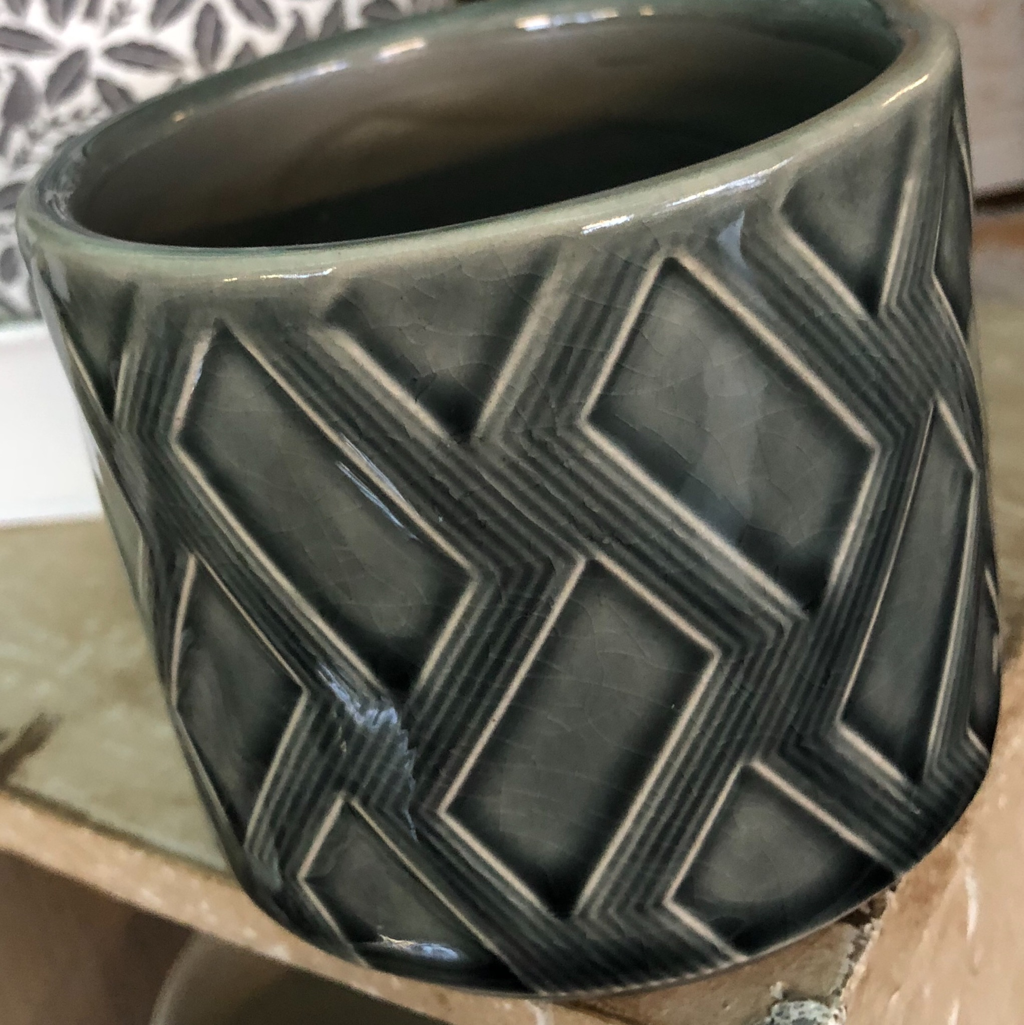 Picture of Gisela Graham Charcoal Zig Zag Ceramic Pot Cover (Mini)