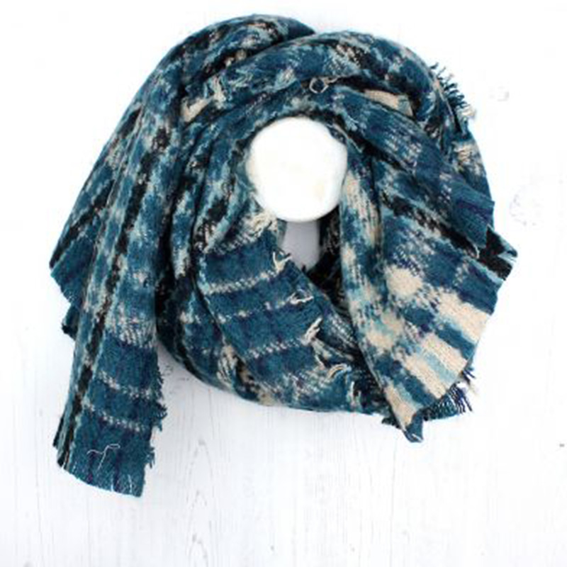 Picture of Blue Check Knitted Scarf
