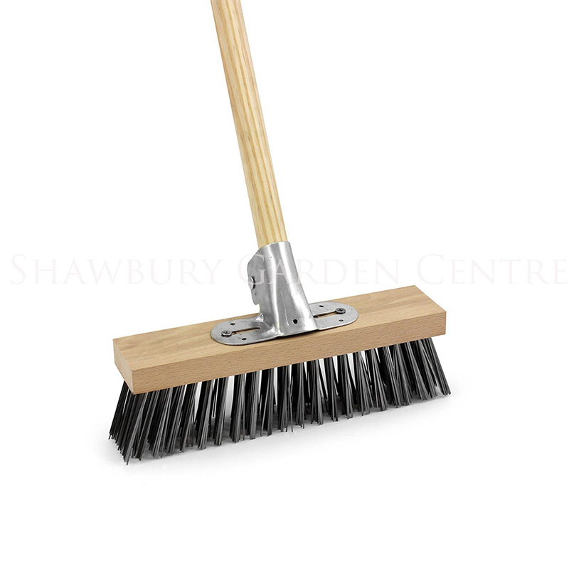 Picture of Bentley Wire Broom with Bracket and Wooden Handle