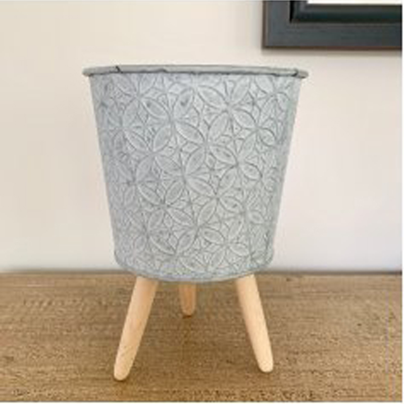 Picture of Footed Embossed Pot